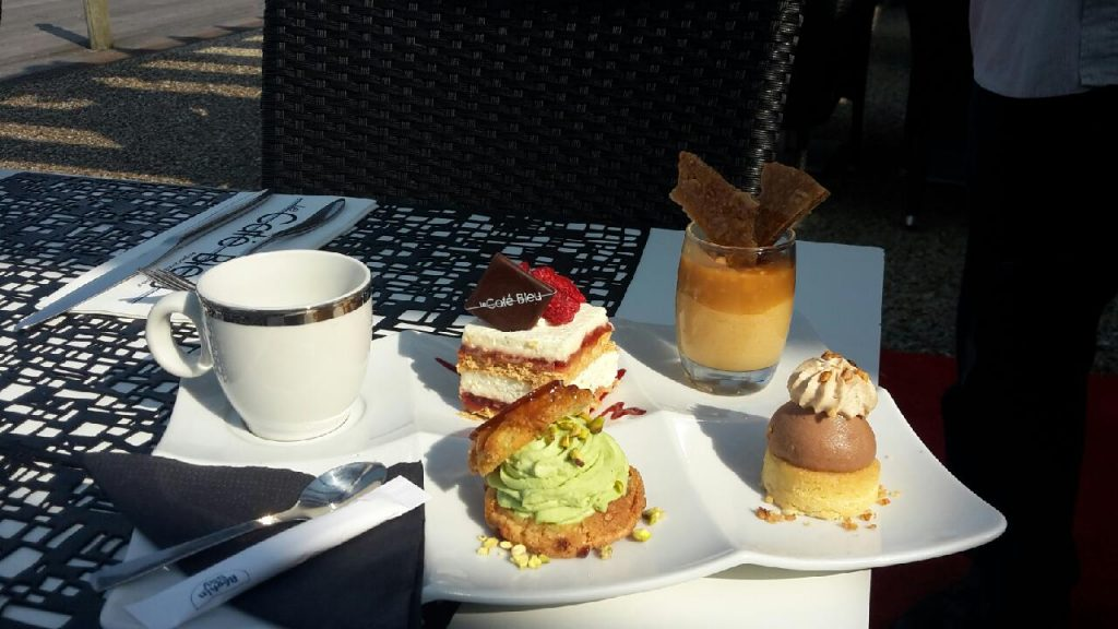 cafe gourmand du café bleu
