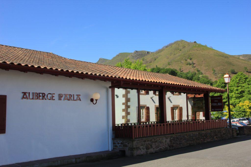 façade auberge iparla
