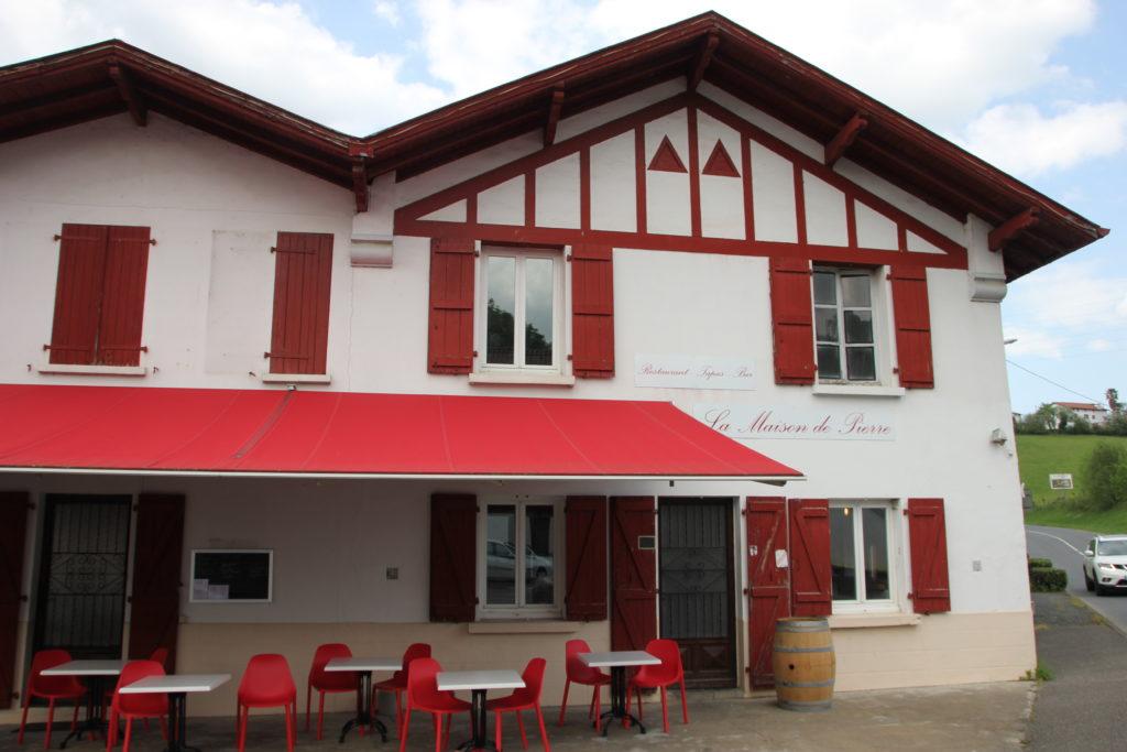 La façade de la Maison de Pierre