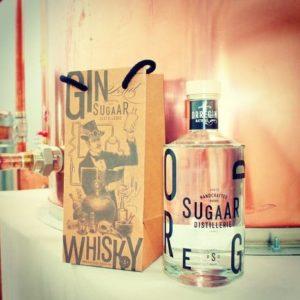 une bouteille de gin orregin du pays basque
